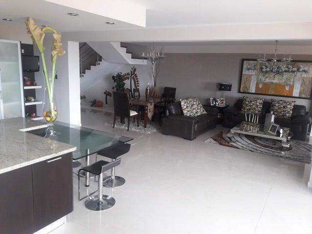 Casa Distrito Metropolitano>Caracas>Alto Hatillo - Venta:480.000 Precio Referencial - codigo: 19-9263