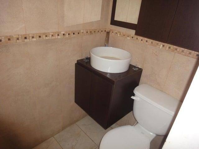 Apartamento Distrito Metropolitano>Caracas>Colinas de Bello Monte - Venta:55.000 Precio Referencial - codigo: 19-8235