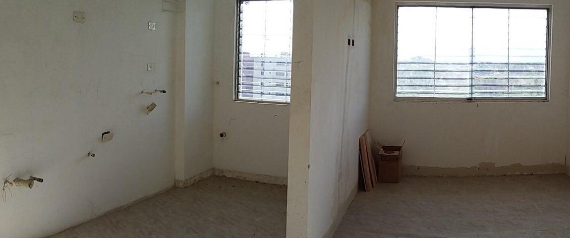 Apartamento Carabobo>Municipio Los Guayos>Paraparal - Venta:6.300 Precio Referencial - codigo: 19-10174