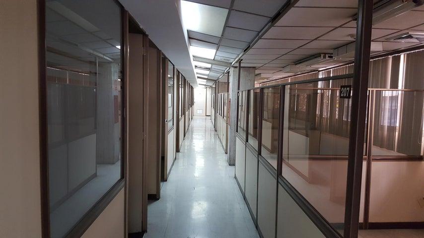Edificio Distrito Metropolitano>Caracas>La Urbina - Alquiler:4.500 Precio Referencial - codigo: 19-10162