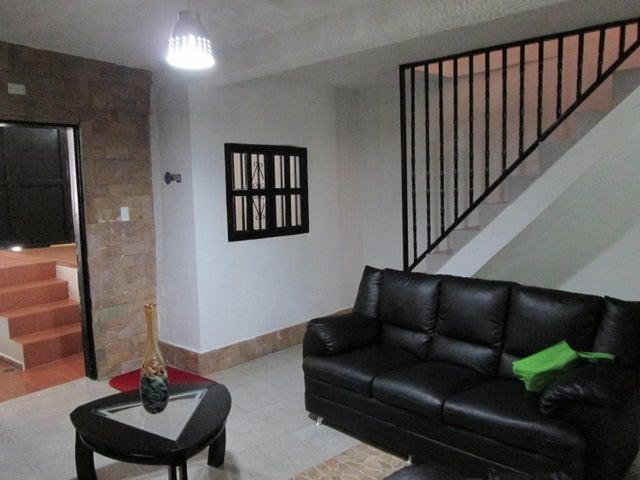 Casa Distrito Metropolitano>Caracas>Parroquia La Vega - Venta:20.000 Precio Referencial - codigo: 19-10167