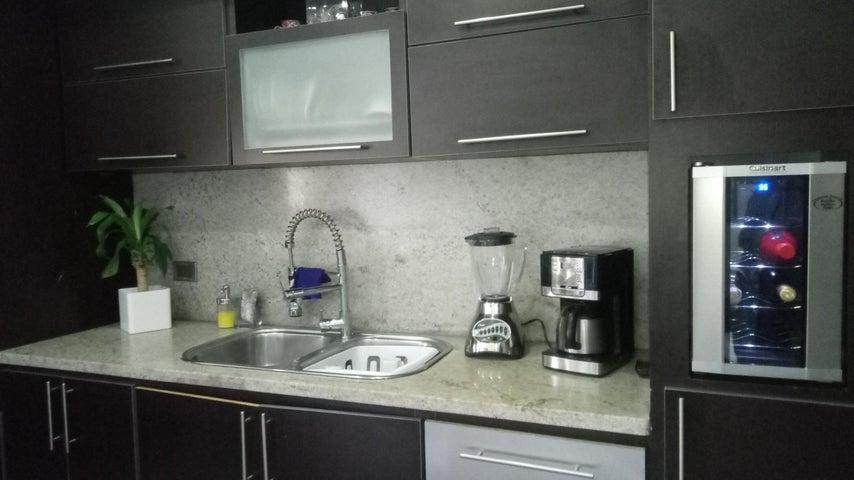 Apartamento Carabobo>Valencia>Las Chimeneas - Venta:45.000 Precio Referencial - codigo: 19-10183
