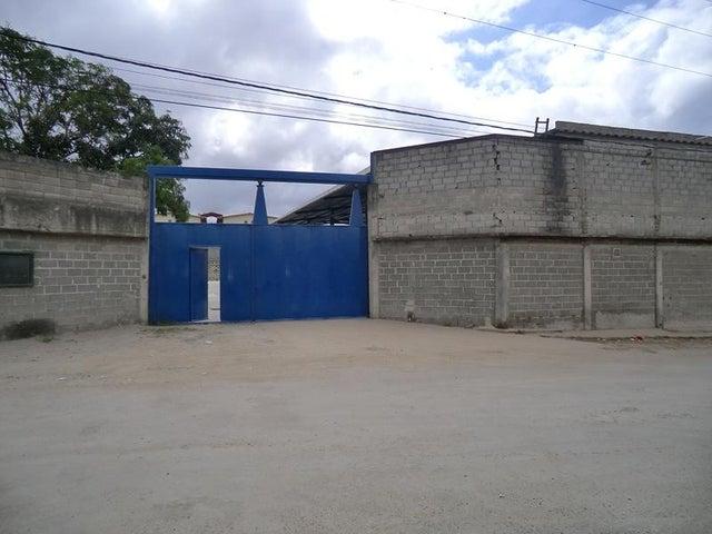 Local Comercial Miranda>Guatire>Guatire - Venta:790.000 Precio Referencial - codigo: 19-10191