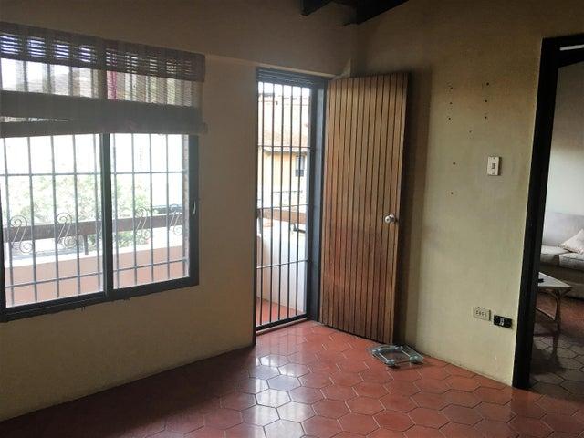 Casa Distrito Metropolitano>Caracas>Piedra Azul - Venta:120.000 Precio Referencial - codigo: 19-10192