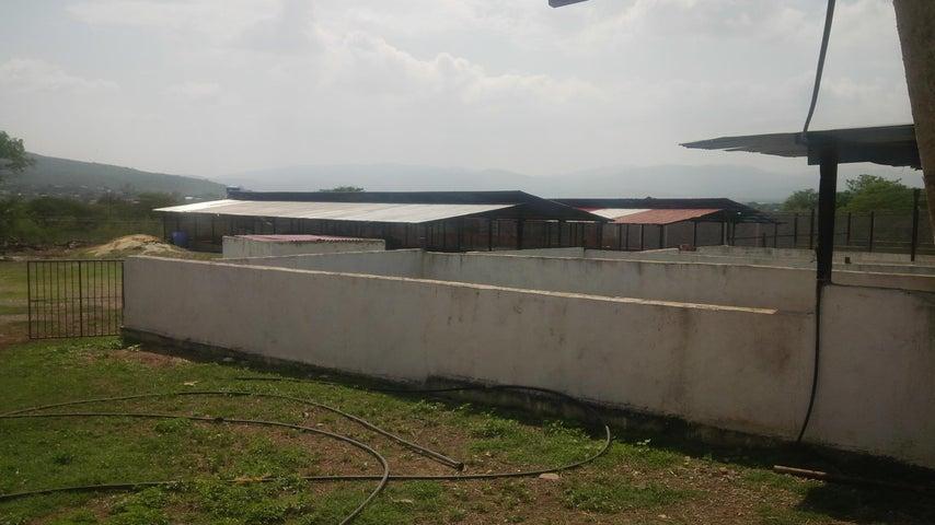 Casa Lara>Barquisimeto>Parroquia Catedral - Venta:26.000 Precio Referencial - codigo: 19-10213