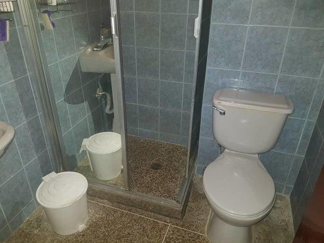 Apartamento Distrito Metropolitano>Caracas>Chacao - Venta:42.000 Precio Referencial - codigo: 19-11382