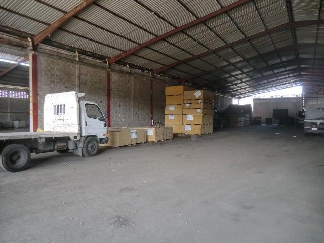 Local Comercial Miranda>Guatire>Terrinca - Venta:2.850.000 Precio Referencial - codigo: 19-10223