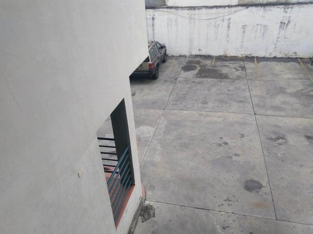 Local Comercial Lara>Barquisimeto>Centro - Venta:15.000 Precio Referencial - codigo: 19-10252