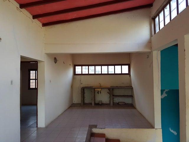 Casa Falcon>Sierra de Falcon>Curimagua - Venta:10.000 Precio Referencial - codigo: 19-10250