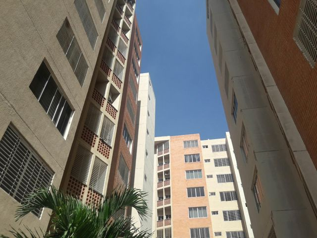 Apartamento Carabobo>Municipio Naguanagua>El Rincon - Venta:26.500 Precio Referencial - codigo: 19-10256