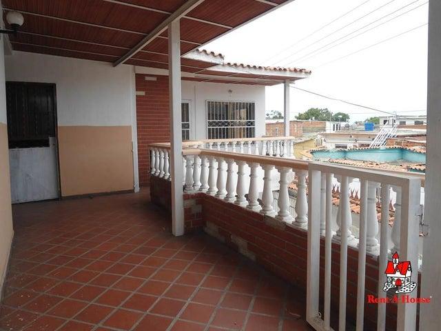 Casa Aragua>Maracay>San Carlos - Venta:13.000 Precio Referencial - codigo: 19-10271