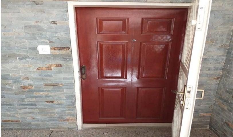 Apartamento Lara>Barquisimeto>Patarata - Venta:15.000 Precio Referencial - codigo: 19-10272