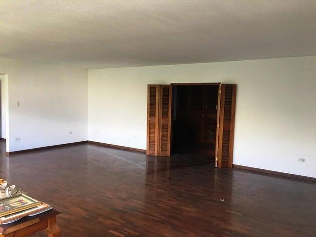 Apartamento Distrito Metropolitano>Caracas>Las Mesetas de Santa Rosa de Lima - Venta:130.000 Precio Referencial - codigo: 19-10279