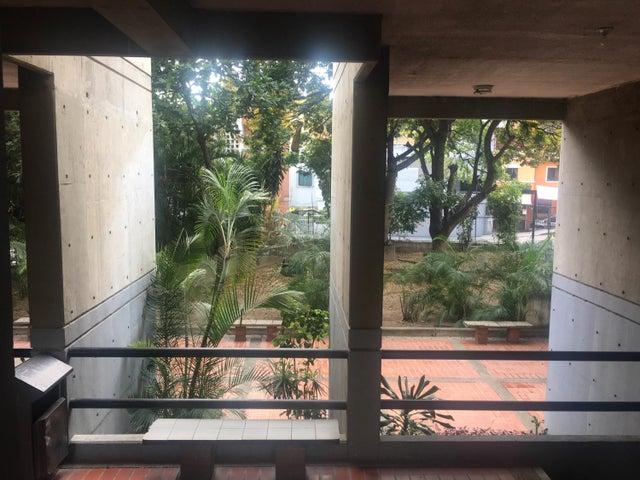 Apartamento Distrito Metropolitano>Caracas>Bello Monte - Venta:42.000 Precio Referencial - codigo: 19-9543
