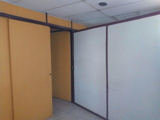 Local Comercial Aragua>Maracay>Calicanto - Alquiler:200 Precio Referencial - codigo: 19-10281