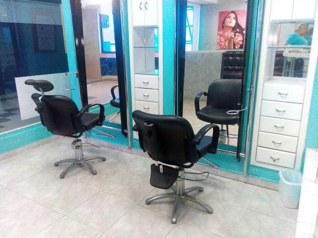 Local Comercial Zulia>Maracaibo>La Limpia - Venta:25.000 Precio Referencial - codigo: 19-10299