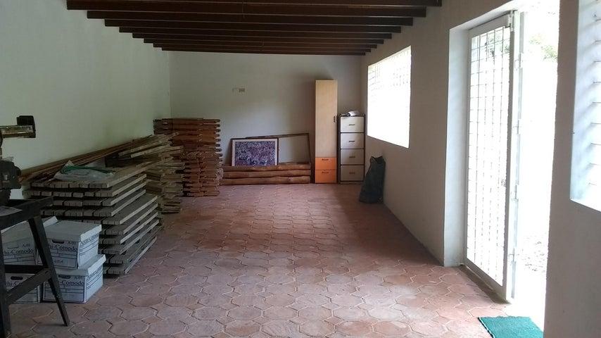 Townhouse Carabobo>Municipio Naguanagua>Las Quintas - Venta:85.000 Precio Referencial - codigo: 19-10343