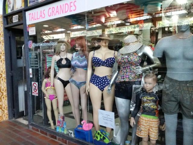 Local Comercial Miranda>San Antonio de los Altos>La Rosaleda - Venta:96.000 Precio Referencial - codigo: 19-10729