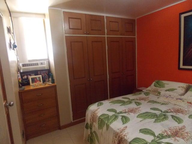 Apartamento Distrito Metropolitano>Caracas>Colinas de Bello Monte - Venta:130.000 Precio Referencial - codigo: 19-10317