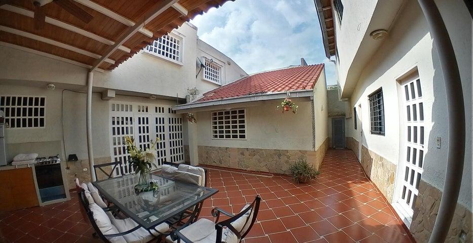 Casa Carabobo>Valencia>La Trigaleña - Venta:110.000 Precio Referencial - codigo: 19-7641