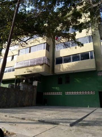 Apartamento Vargas>Parroquia Caraballeda>Caribe - Venta:50.000 Precio Referencial - codigo: 19-7996