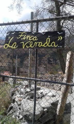 Terreno Merida>Mucuchies>Las Cuadritas - Venta:6.000 Precio Referencial - codigo: 19-10341