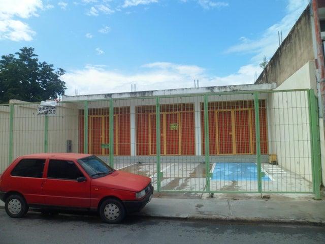 Local Comercial Carabobo>Guacara>Centro - Venta:37.000 Precio Referencial - codigo: 19-10346