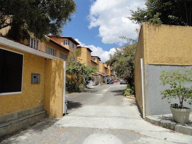 Townhouse Distrito Metropolitano>Caracas>La Lagunita Country Club - Venta:130.000 Precio Referencial - codigo: 19-10400