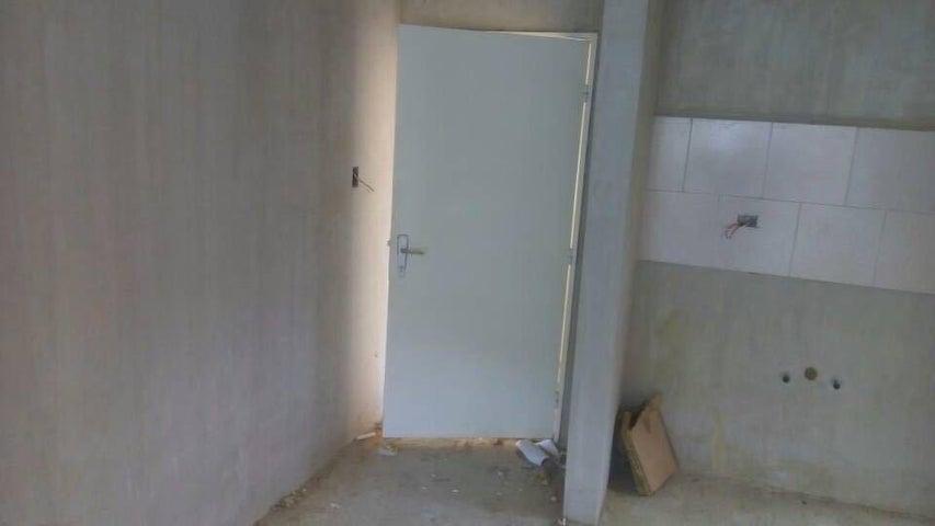 Apartamento Miranda>Guatire>Canaima IV - Venta:11.000 Precio Referencial - codigo: 19-10371
