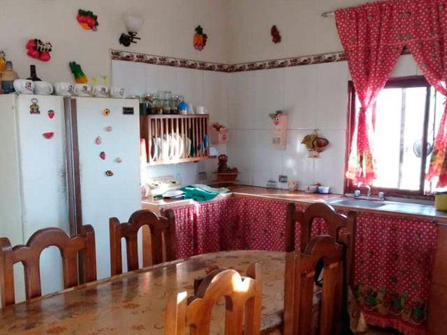 Casa Falcon>Pueblo Nuevo>Pueblo Nuevo - Venta:11.000 Precio Referencial - codigo: 19-10377