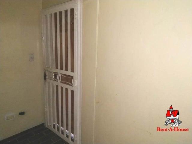 Apartamento Aragua>Maracay>Zona Centro - Venta:10.500 Precio Referencial - codigo: 19-10410