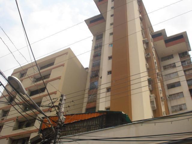 Apartamento Aragua>Maracay>Zona Centro - Venta:22.000 Precio Referencial - codigo: 19-10425