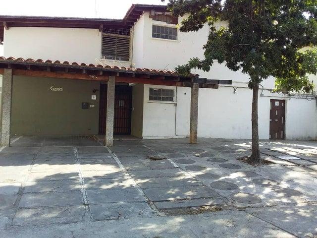 Casa Distrito Metropolitano>Caracas>Chuao - Alquiler:1.500 Precio Referencial - codigo: 19-10402