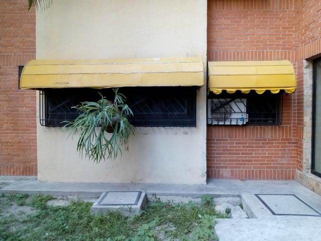 Apartamento Aragua>Maracay>Base Aragua - Venta:35.000 Precio Referencial - codigo: 19-10499