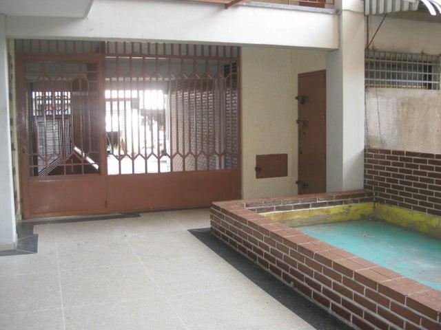Apartamento Aragua>Maracay>Zona Centro - Venta:14.000 Precio Referencial - codigo: 19-10543