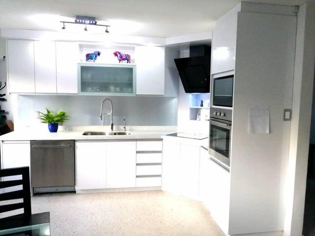 Apartamento Distrito Metropolitano>Caracas>Santa Fe Norte - Venta:74.000 Precio Referencial - codigo: 19-10563