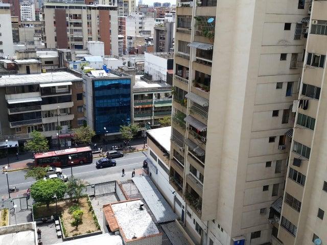 Apartamento Distrito Metropolitano>Caracas>Chacao - Venta:60.000 Precio Referencial - codigo: 19-10893