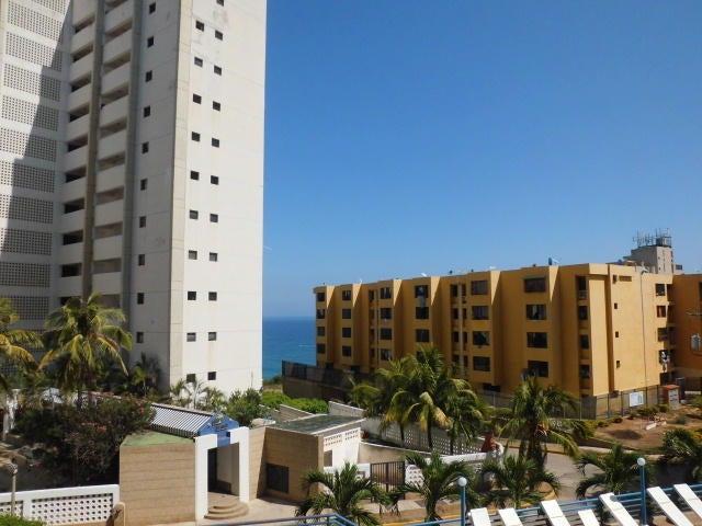 Apartamento Vargas>Catia La Mar>Playa Grande - Venta:40.000 Precio Referencial - codigo: 19-10598