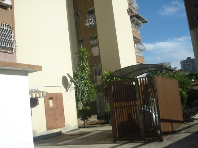 Apartamento Aragua>Maracay>El Bosque - Venta:38.000 Precio Referencial - codigo: 19-10684