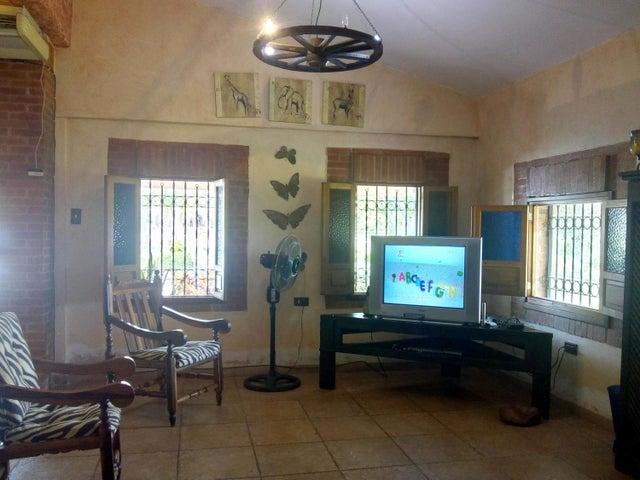 Casa Carabobo>Valencia>Safari Country Club - Venta:65.000 Precio Referencial - codigo: 19-10710