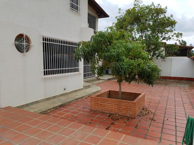 Casa Distrito Metropolitano>Caracas>Macaracuay - Venta:380.000 Precio Referencial - codigo: 19-11473