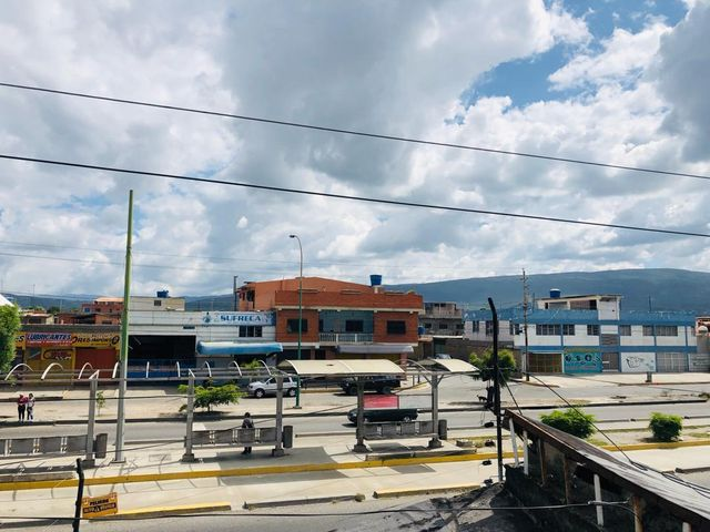 Galpon - Deposito Lara>Barquisimeto>Parroquia Juan de Villegas - Venta:63.000 Precio Referencial - codigo: 19-10934