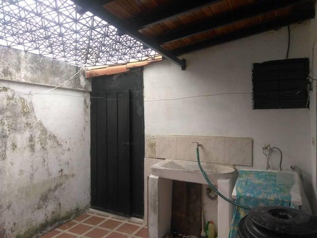 Casa Lara>Cabudare>Los Bucares - Venta:12.500 Precio Referencial - codigo: 19-10759