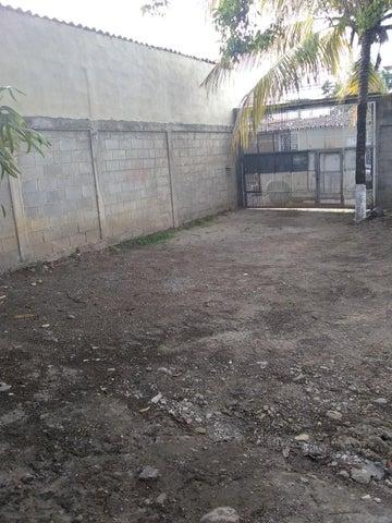 Terreno Lara>Cabudare>Parroquia Jose Gregorio - Venta:5.500 Precio Referencial - codigo: 19-10761