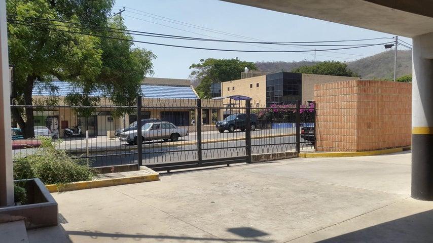 Local Comercial Carabobo>Municipio San Diego>Los Jarales - Alquiler:80 Precio Referencial - codigo: 19-10772