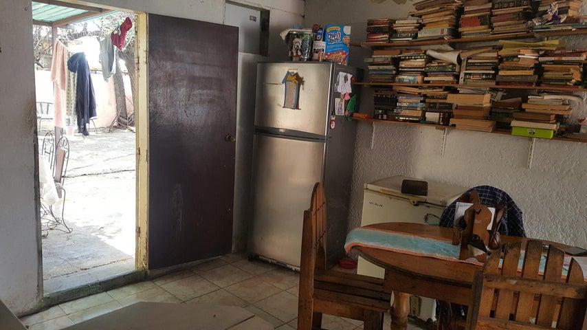 Casa Zulia>Maracaibo>San Jacinto - Venta:5.500 Precio Referencial - codigo: 19-10776