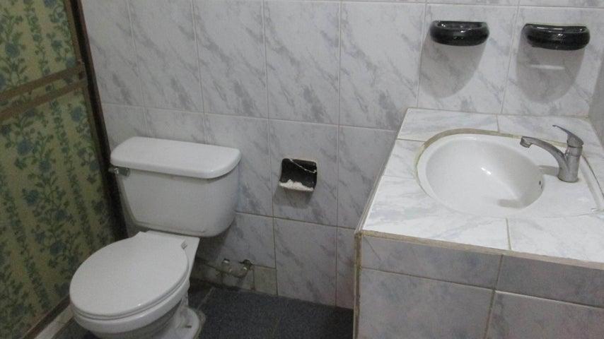 Casa Aragua>Turmero>La Casona - Venta:15.000 Precio Referencial - codigo: 19-10808