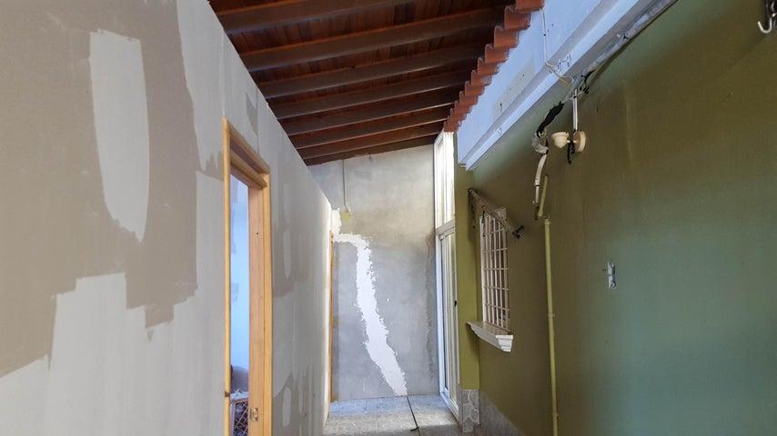 Casa Falcon>Coro>Centro - Venta:30.000 Precio Referencial - codigo: 19-10952