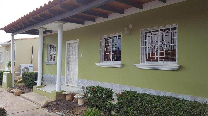 Casa Falcon>Coro>Centro - Venta:35.000 Precio Referencial - codigo: 19-10952