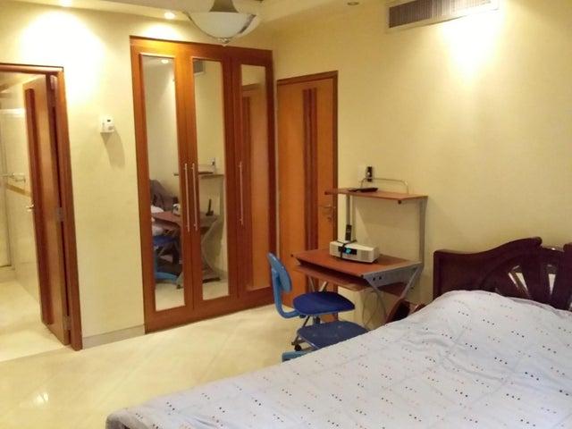 Apartamento Aragua>Maracay>La Soledad - Alquiler:500 Precio Referencial - codigo: 19-10869